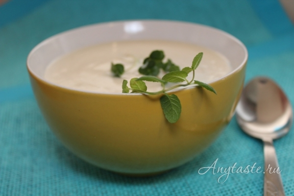 Суп-пюре из сельдерея и цветной капусты